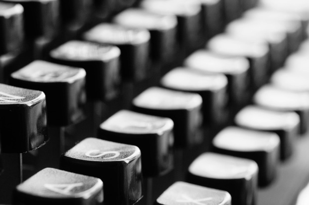 typewriter-726965_1280